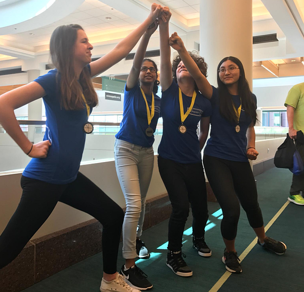 team-of-girls-at-the-technovations-challenge